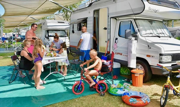 camp site chioggia: camp site for tents and campers in isolaverde in